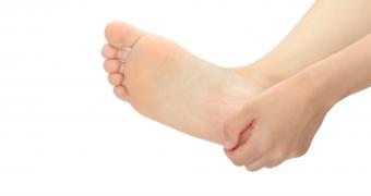 足底腱膜炎で痛い